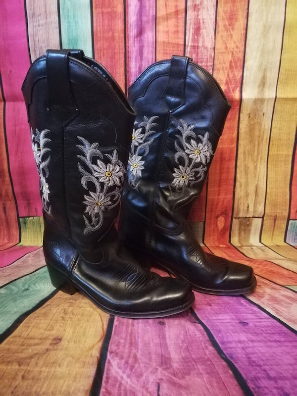 black cowboy boots with daisy embroidery