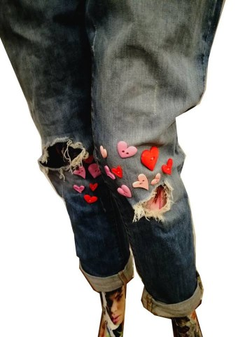 heart button ripped jeans1